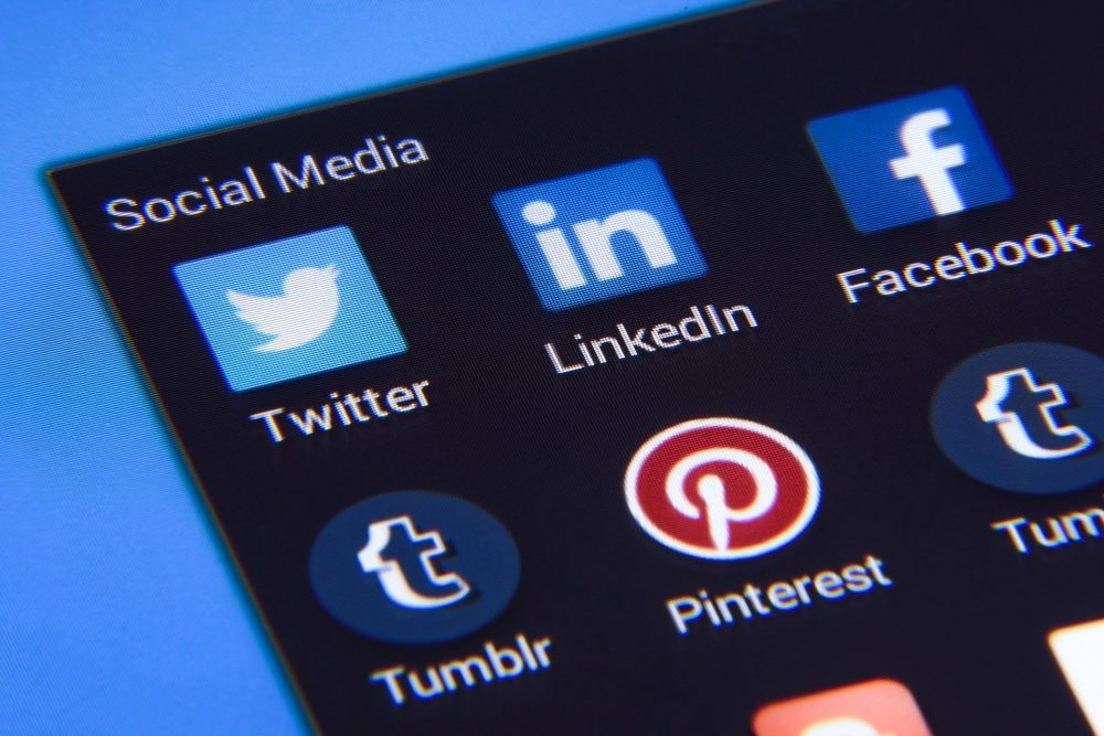 Social Media Essay Topics And Tips For Writing